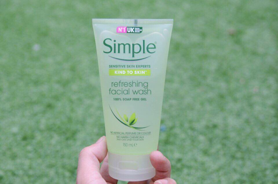 Sữa Rửa Mặt Simple Refreshing Facial Wash 150ml 1